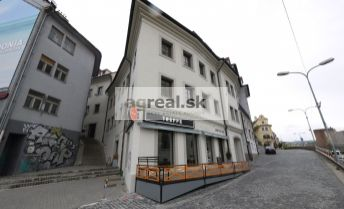 Kancelárske priestory s klimatizáciou o výmere 121,80 m2, pod Bratislavským hradom, Zámocké schody