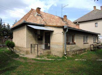3-i dom s obrovským pozemkom 1 706 m2, SÚKROMIE