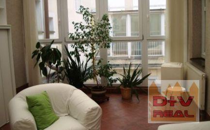D+V real ponúka na prenájom: 3 izbový byt, Hviezdoslavovo námestie, Bratislava I, Staré Mesto, zariadený, zimná záhrada, klimatizácia