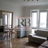 Na prenájom 2 izbový byt na Martinčekovej ulici v Ružinove