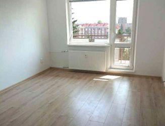 Zvolen, centrum mesta – zrekonštruovaný 3-izbový byt s balkónom, výmera 62 m2