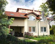 TOP Realitka - NOVOSTAVBA – Kvalitný, luxusný, dvojpodlažný 6-izbový RD, okrasná záhrada, terasa, garáž, altánok, klíma, kamerový systém, TOP lokalita,v tesnej blízkosti BA - Vajnory