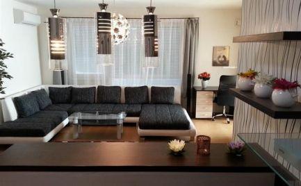 Na prenájom zariadený 2 izbový byt v Ružinove, novostavba, garážové státie, klimatizácia