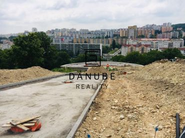 Predaj stavebný pozemok 1 000 m2 Bratislava, Staré Grunty Sitina v Karlovej Vsi, medzi Líščím Údolím a Mlynskou Dolinou.