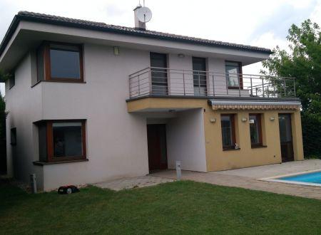 Predaj - 4i Rodinný dom s bazénom na 6á pozemku, Zelená, Malinovo