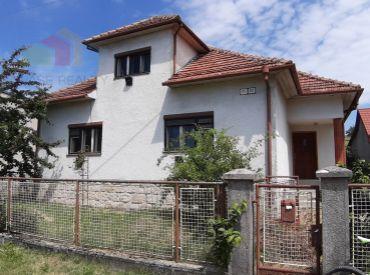 RD v rekonštrukcii s veľkým pozemkom 2085 m2 a ďalším domom vo dvore, Myjava