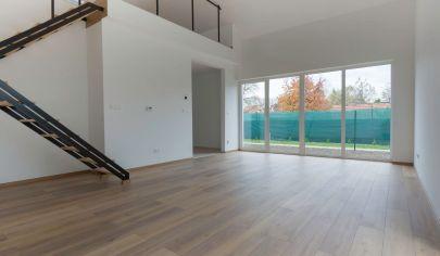 SKOLAUDOVANÉ-Predaj 4 izbový rodinný dom-bytová jednotka-súčasť dvojdomu, v Šamoríne so záhradkou a dvomi parkovacími miestami