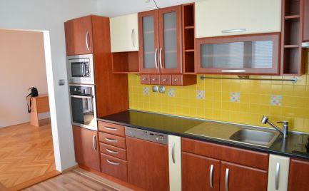 Predaj zrekonštruovaného 3 izbového bytu , 76 m2, výborná lokalita !