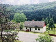 REZERVOVANÉ !! Na predaj 2.-izb. chalupa s pekným pozemkom o rozlohe 467m2, obec Buková