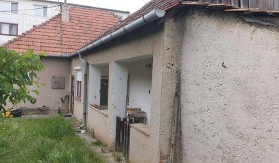 HAJNÁ NOVÁ VES - 3 izbový RD pozemok  1442m2, okr. Topoľčany