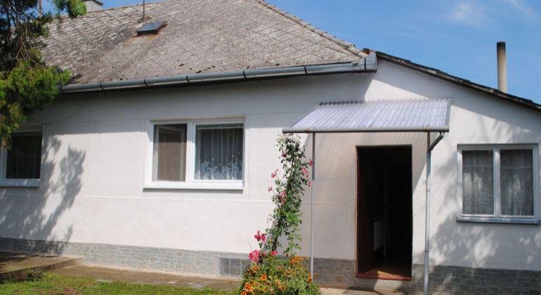 Predaj rodinný dom Želiezovce časť Svodov