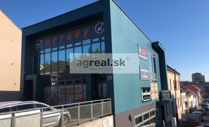 Obchodné priestory 111 m2 novostavba Smrečianska ulica so 4 parkovacími miestami