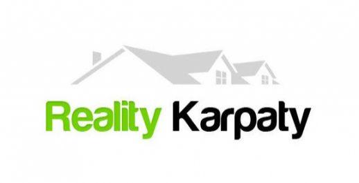 Ponúkame na predaj  výhodne pozemky o celkovej výmere 1305 a 1377m2  v obci Dobrohošť.