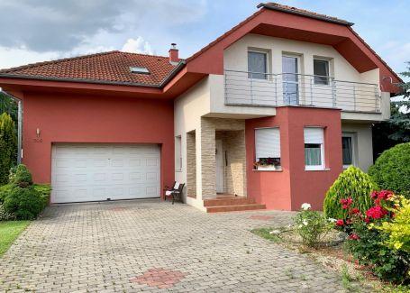 5 izbový rodinný dom s altánkom a veľkým pozemkom