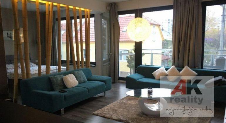 Prenájom 3 izbový byt Bratislava-Ružinov, Oriešková