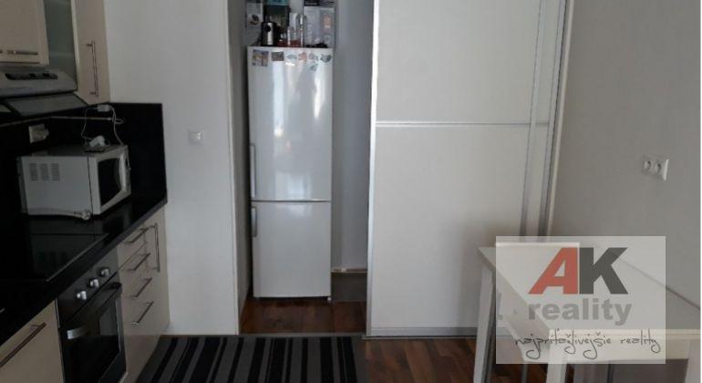 Prenájom 2 izbový byt Bratislava-Ružinov, Trnavská cesta