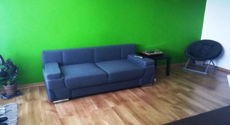 Prenájom - príjemný 1- izbový byt s veľkou  loggiou, Bratislava-Dúbravka, ulica Ľuda Zúbka