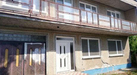Dvojgeneračný dom na predaj v Tvrdošovciach.