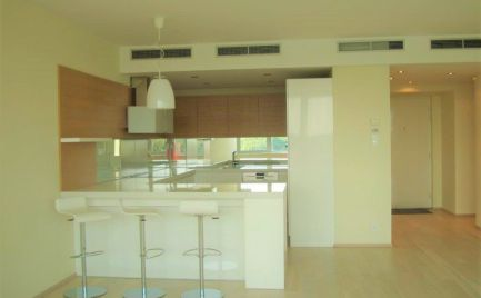 Ponúkame na predaj 3 izbový moderný byt spriamym nerušeným výhľadom na Dunaj, Dvořákovo nábrežie, byt sa nachádza v luxusnom polyfunkčnom komplexe budov River Park.