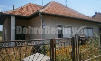 REZERVOVANÉ! Výhodná kúpa rodinného domu v obci Dubník, exkluzívne v Dobrých realitách.