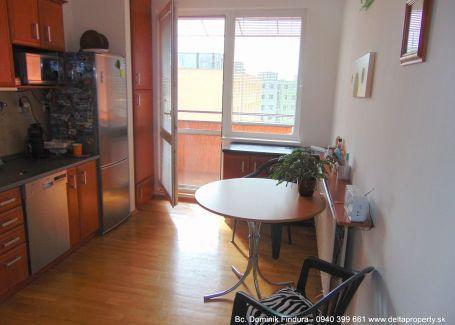 DELTA - Priestranný 4-izbový byt s balkónom na predaj Sp.Nová Ves - Východ