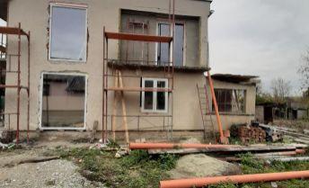 EXKLUZIVNE!..rodinný dom v obci Čeľadice, 10km od NItry