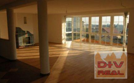 D+V real ponúka na prenájom: 8 izbový rodinný dom, Stará Klenová, Kramáre, Bratislava III, Nové mesto, nezariadený, klimatizácia, bazén, vhodný aj na bývanie aj na podnikanie (sídlo firmy, ambulancie)