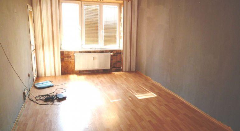 Na predaj 2 izbový byt, Lučenec, tehlový, s loggiou, centrum...