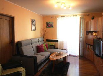 Exkluzívne Vám ponúkame 2 izb. byt v blízkosti centra