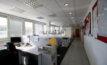 Prenájom samostatnej budovy 946m2 a areálu na výrobu/skladovanie s kanceláriami a zelenou terasou v Petržalke