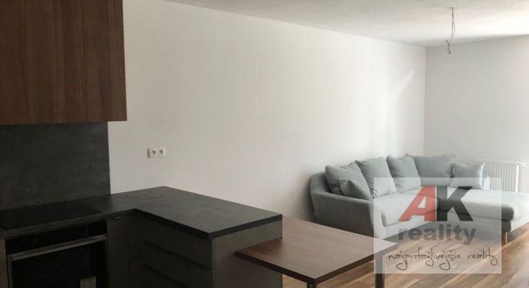 Predaj čiastočne zariadený 2 izbový byt Bratislava-Petržalka, Lužná ulica