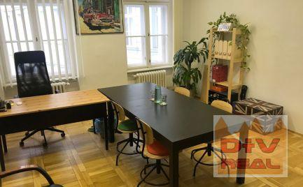 D+V real ponúka na prenájom: Kancelária (1 miestnosť, kuchynka a toalety k dispozícii), Michalská ulica, Bratislava I, Staré mesto, zariadená