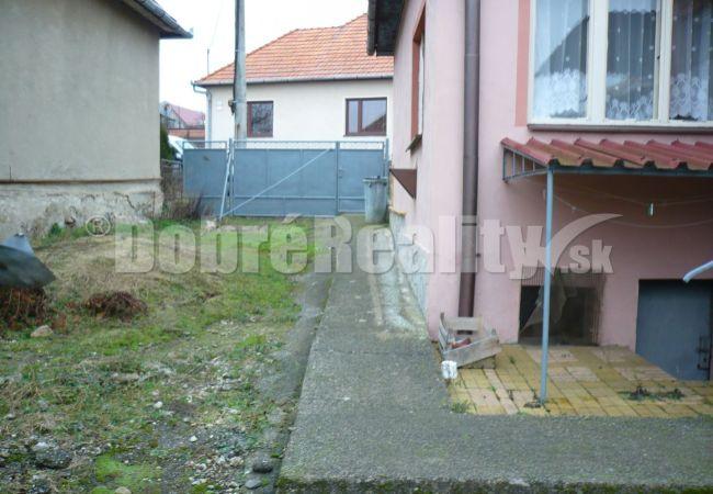 Na predaj rodinný dom  Santovka