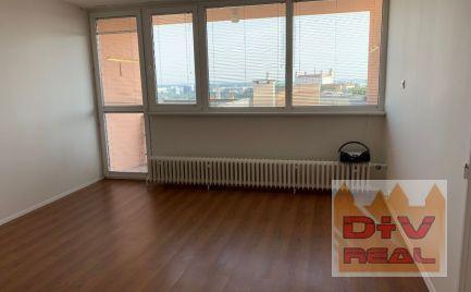 D+V real ponúka na prenájom: 3 izbový rodinný dom, Stará Vinárska, Bratislava I, Staré Mesto, nezariadený, parkovanie