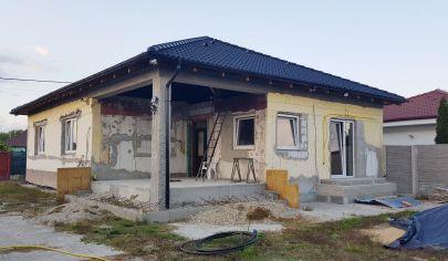 NA PREDAJ:  Rodinný dom na pozemku 965m2, len 30km od Bratislavy - v obci Jelka