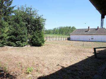 Pozemok so starším domom