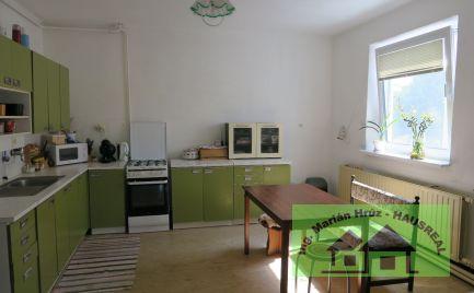 Poschodový RD, 200 m2,terasa, garáž, 10 ár.pozemok, vyhľadávaná lokalita, Tlmače-Lipník