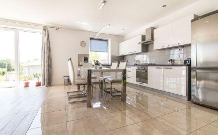 DOM-REALÍT ponúkame príjemný rodinný dom Jelenec / Nitra