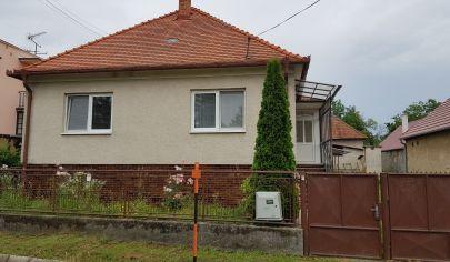 Mankovce, rodinný dom, 3-izbový, pozemok 2400 m2, okr. Zlaté Moravce