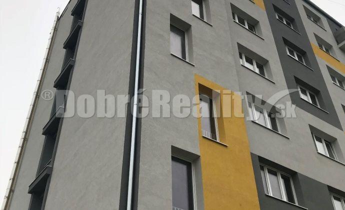 Na prenájom 1 izbový byt na 4 poschodí  v Prievidzi s balkónom