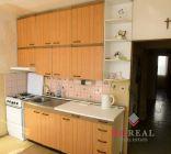 NOVÁ CENA -3 izbový byt s balkónom - Topoľčany - pôvodný stav