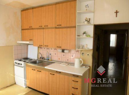 NOVÁ CENA -3 izbový byt - Topoľčany - pôvodný stav