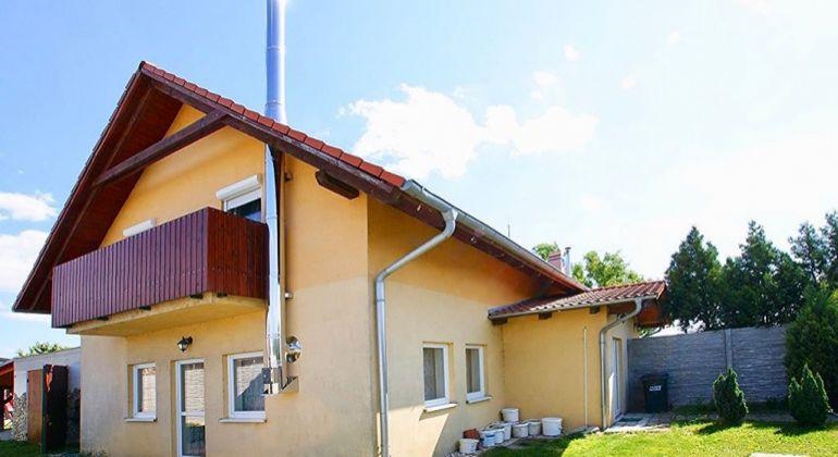 4-izbový dom s obytným podkrovím v Šamoríne