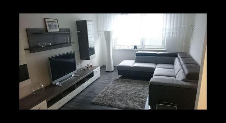Prenájom - veľmi pekný,  5 izbový byt s veľkou loggiou, Bratislava-Karlova Ves, Adámiho ulica