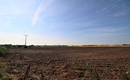 PREDAJ - výborný pozemok na investíciu v obci Čunovo