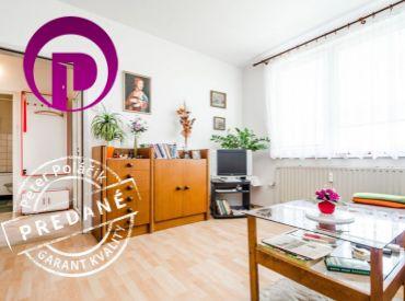 REZERVOVANÉ - 1i byt, 39 m2 – BA - Petržalka: tichá a pokojná časť Petržalky, nádherný VÝHĽAD a veľa zelene v okolí domu.