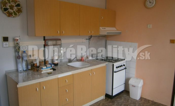 EXKLUZIVNE!..veľký 2 izbový byt Nitra - Hlboká ulica