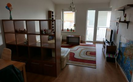 Prenájom 3-izbový byt s balkónom na Čerešňovej ulici, Chorvátsky Grob