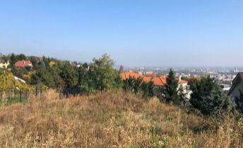 Pozemok 1282 m2 na RD alebo mestské vily, Jeséniova ul.