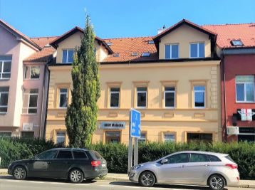 **NA PRENÁJOM: Administrat. priestor/kancelária 45 m2 v TOP LOKALITE priamo v CENTRE mesta Malacky!!